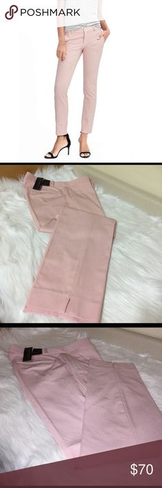 """BR Sloan Fit Pants Recently purchased this beauty, unfortunately it doesn't fit the way I would like it to. Length :37 1/2"""" Inner Seam: 29"""" and Waist : 18"""" Banana Republic Pants"""