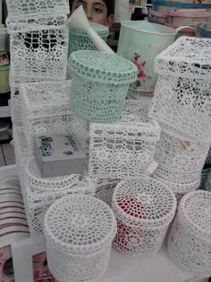 CROCHET boxes ,lacy ♪ ♪ ... #inspiration #crochet #knit #diy GB http://www.pinterest.com/gigibrazil/boards/