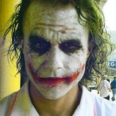 Dark Knight' Never-Before-Seen Heath Ledger Set Photos the joker nurse. Joker Batman, Joker Art, Joker And Harley Quinn, Joker Pics, Gotham Batman, Batman Robin, Gotham City, Les Oscars, Kings & Queens