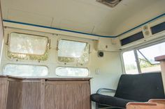 """The """"Living/Dining Room"""" BEFORE in our 1976 Airstream Sovereign Land Yacht Before the Renovation Airstream Land Yacht, Airstream Interior, Airstream Trailers, Prevost Bus, Class A Motorhomes, Vintage Travel Trailers, Landing, Dining Room, Home Appliances"""