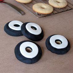 Tire cookies - isn't black food coloring bad tasting?