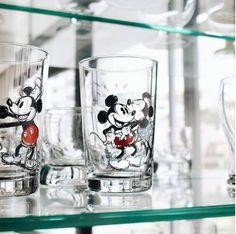 Copos com as primeiras animações do Mickey :)