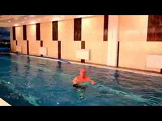 20-минутная тренировка в бассейне, которая поможет вам избавиться от лишних калорий - Лайфхакер