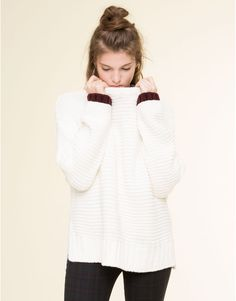 CHUNKY KNIT SWEATER WITH CONTRASTING CUFFS CARDIGANS & SWEATERS - WOMAN PULL&BEAR Denmark