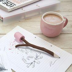 Lápiz y borrador de fogata | 33 Accesorios de escritorio que mejorarán tu día