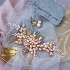 Beautiful peach color #haircomb with freshwater pearls and rhinestones for Ingrid , from US You can make an order for hair accessories at my #etsystore, link in bio #haircomb #hairpiece #hairpins #hairclip #weddinghairclip #weddinghaircomb #weddingaccessories #bridal #bridalhair