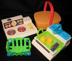 1980's Vintage Fisher Price Sink, Stove & Picnic Basket.. I had the stove when I was a kid.