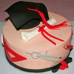 Graduation chocolate cake with chantilly cream filling  http://passionecupcakes.blogspot.it/