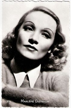 Marlene Dietrich. French postcard by Editions P.I., no. 219.