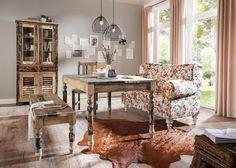 Stilvolles Sofa von AMBIA HOME - Ästhetik mit floralem Design