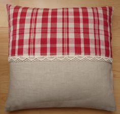 Housse de coussin en tissu à carreaux rouges et blancs : Textiles et tapis par alsace-gourmets