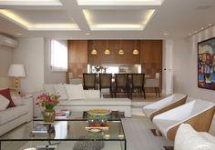 Você pode planejar o sistema de luzes da sua sala para destacar um móvel ou uma peça de decoração. Veja como no WebCasas: http://www.webcasas.com.br/revista/materia/reforma/188/valorize-a-decoracao-com-a-iluminacao/