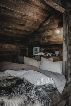 Svenngården: Cabin life and great visits in store # visits Villa Design, Home Design, Cozy Cabin, Cozy House, Small Room Bedroom, Bedroom Decor, Grand Designs Australia, Log Cabin Homes, Cottage Design