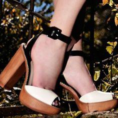 Domingo não precisa ser um dia cheio de tédio. Coloque seu sapato mais bonito e vá curtir as delícias do final de semana!