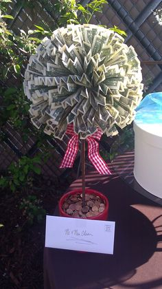 Wedding Gifts Cash Dollar Bills – smartvaforu Wedding Gifts Cash Dollar Bills money tree idea link is image only i especially like the idea of the pennies in the pot Money Lei, Money Origami, Gift Money, Birthday Money Gifts, Money Cake, Money Tree Wedding, Wedding Gifts, Wedding Present Ideas, Homemade Gifts