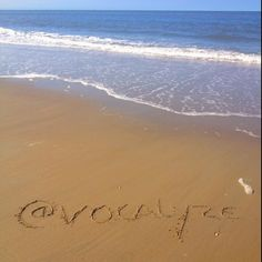 @vovalyze nice. Here is a free picture from Texel beach with your name #jenaaminhetzand #yournameinthesand