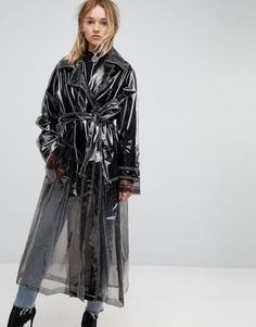 Find the best selection of ASOS Clear Trench. Shop today with free delivery and returns (Ts&Cs apply) with ASOS! Street Style Trends, Street Style Women, Mode Streetwear, Streetwear Fashion, Pop Fashion, Fashion Beauty, Fashion Trends, Street Fashion, Imper Pvc