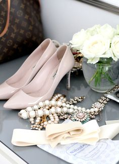 Miu miu nude heels, LV tote and beads, morning necessities ~ Law and Fashion -Criminal Intent-