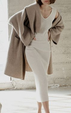 Outfits Otoño, Casual Outfits, Cashmere Dress, Work Looks, Minimalist Fashion, Lounge Wear, Winter Fashion, Fashion Looks, Blanket Coat
