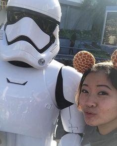 Finally got a selfie with this foo. #Disneyland #starwars #stormtrooper by ponpon.jpg