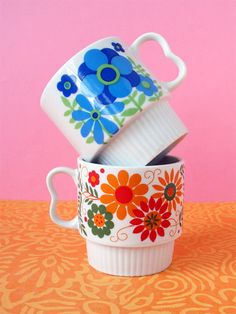 coffee mugs with mod flower pattern from kitschcafe on Etsy