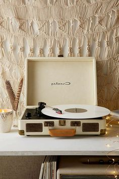 The vintage record player and the magic of old sound – Archzine. Record Players, Crosley Record Player, Retro Videos, Vintage Records, Condo Living, Phonograph, Wall Collage, Turntable, Vinyl Records