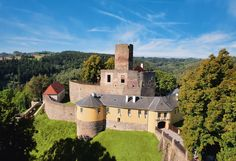 Kudy z nudy - #světovéČesko a cesta za přízraky hradů Svojanov a Gisors