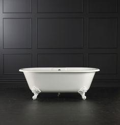 clawfoot tub •victoria + albert