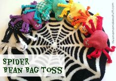 How cute are these??? Great for a Halloween party or for a kid who loves creepy crawlies.... Super easy to do!!! spider bean bag toss