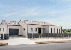 Planer, Garage Doors, Construction, House Styles, Outdoor Decor, Home Decor, Arquitetura, Yellow Cottage, Facades
