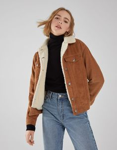 Corduroy and faux shearling trucker jacket – Jackets – Bershka Tunisia Corduroy jacket Courdoroy Jacket, Jean Jacket Outfits, Faux Jacket, Faux Shearling Jacket, Corduroy Sherpa Jacket, Looks Hippie, Casual Outfits, Fashion Outfits, Mode Hijab
