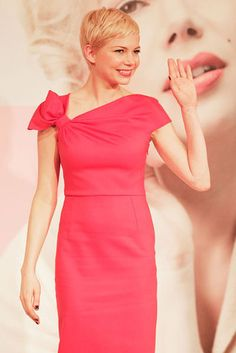 Love the color of this dress and the bow that Michelle Williams is wearing