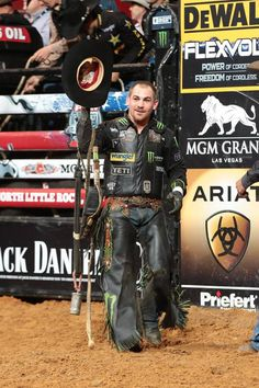 Chase Outlaw wins rd 1 in his home state---PBR Rock Professional Bull Riders, 8 Seconds, Blue Heelers, Bull Riding, Rodeo, Future Husband, Country Music, Cowboys, Faces