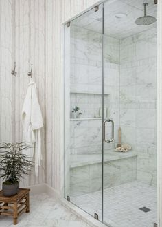 BEFORE AND AFTER BATHROOM REMODEL - A lovely white marble bathroom and shower, equipped with steam, for a luxurious spa-like experience. Carla Aston, Designer | Colleen Scott, Photographer Big Shower, Master Bath Shower, Shower Niche, Master Bathroom, Guest Bath, White Tile Shower, White Marble Bathrooms, Changing Spaces, Cube Design