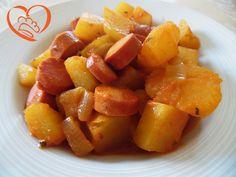 Spezzatino di wurstel con patate http://www.cuocaperpassione.it/ricetta/43281f4c-9f72-6375-b10c-ff0000780917/Spezzatino_di_wurstel_con_patate