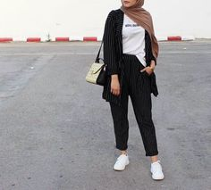 Blazer Outfits Casual, Casual Hijab Outfit, Modest Outfits, Classy Outfits, Modern Hijab Fashion, Hijab Fashion Inspiration, Muslim Fashion, Hijab Turban Style, Hijab Chic