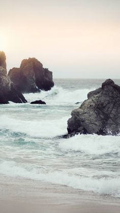 Beach / Find more Nature themed wallpapers for your #iPhone + #Android @prettywallpaper