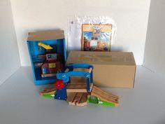 Bridge & Crane Figure 8 Set Thomas and Friends Wooden Railway 28 Pieces NWOB #LearningCurve