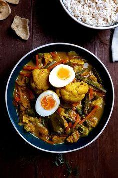 Sajoer lodeh met ei | Gewooneenfoodblog.nl Healthy Recepies, Good Healthy Recipes, Healthy Chicken Recipes, Asian Recipes, Vegetarian Recipes, Kitchen Recipes, Gourmet Recipes, Cooking Recipes, Gourmet Foods