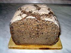 Do pekárny nalijeme vlažnou vodu, ocet, olej, sůl a cukr. Sypké suroviny nejdříve promícháme v misce a poté je přidáme do pekárny. Nakonec na...