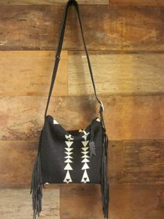 Hey, I found this really awesome Etsy listing at https://www.etsy.com/listing/208276203/black-and-white-arrow-boho-fringe