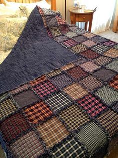 Ideas For Patchwork Patterns Blanket Rag Quilt Flannel Rag Quilts, Plaid Quilt, Patchwork Blanket, Denim Quilts, Patchwork Quilting, Blue Jean Quilts, Baby Rag Quilts, Rag Quilt Patterns, Quilting Ideas