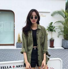 Korean Street Fashion - Life Is Fun Silo Korean Girl Fashion, Korean Fashion Trends, Korean Street Fashion, Asian Fashion, Trendy Fashion, Ulzzang Fashion Summer, Fashion Black, Moda Vintage, Looks Chic