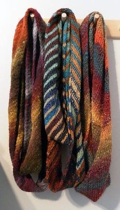 A really fast and easy scarf you'll finish in no time! Especially lovely when knitted with Noro yarns or with any handspun: it is perfect to show the beauty of a textured yarn. Free pattern on Ravelry.