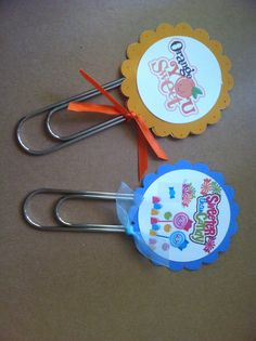 Jumbo clip bookmarks