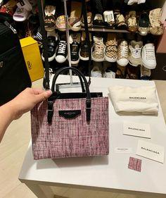 2f754cc54 Bolsa Balenciaga de couro preto e tweed rosa Excelente estado! Medidas:  altura 18cm x