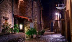 Los 5 pueblos más antiguos de España, para una escapada única. Real Castles, Most Beautiful, Europe, Old Bridges, Vernacular Architecture, Medieval Town