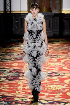 Sfilata Iris van Herpen Paris - Alta Moda Primavera Estate 2013 - Vogue
