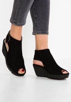 Fly London - YONE - Sandales compensées - black