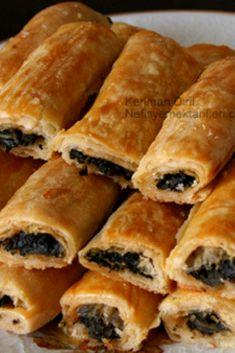 Ispanaklı Kol Böreği (el açması) #ıspanaklıkolböreği #börektarifleri #nefisyemektarifleri #yemektarifleri #tarifsunum #lezzetlitarifler #lezzet #sunum #sunumönemlidir #tarif #yemek #food #yummy